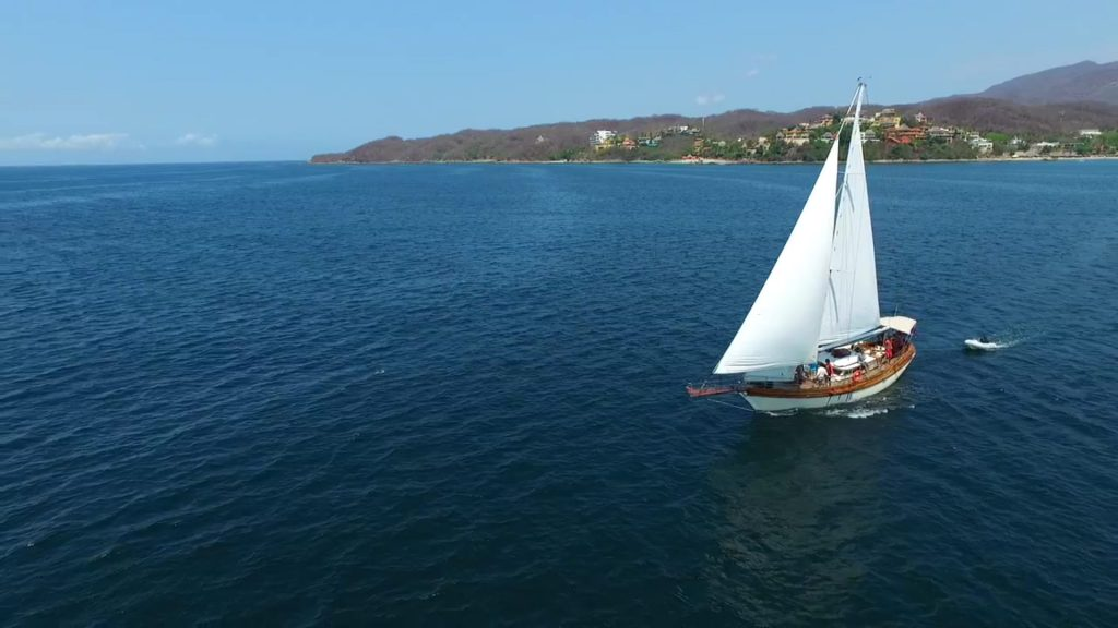 Sailing in Puerto Vallarta is a great idea