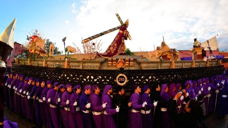 procesion-guatemala