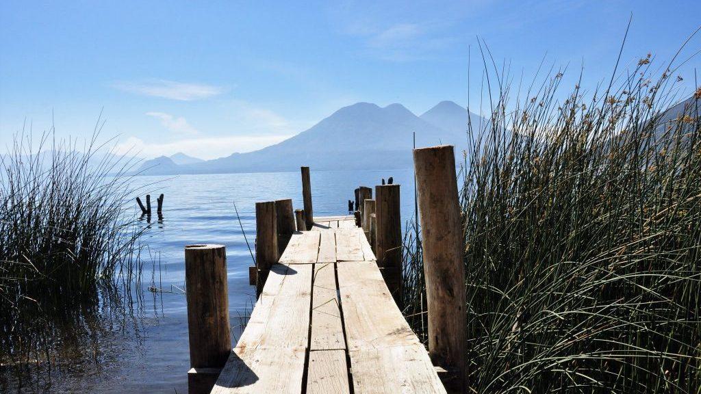 Lago-Atitlán-Guatemala-e1525600418796